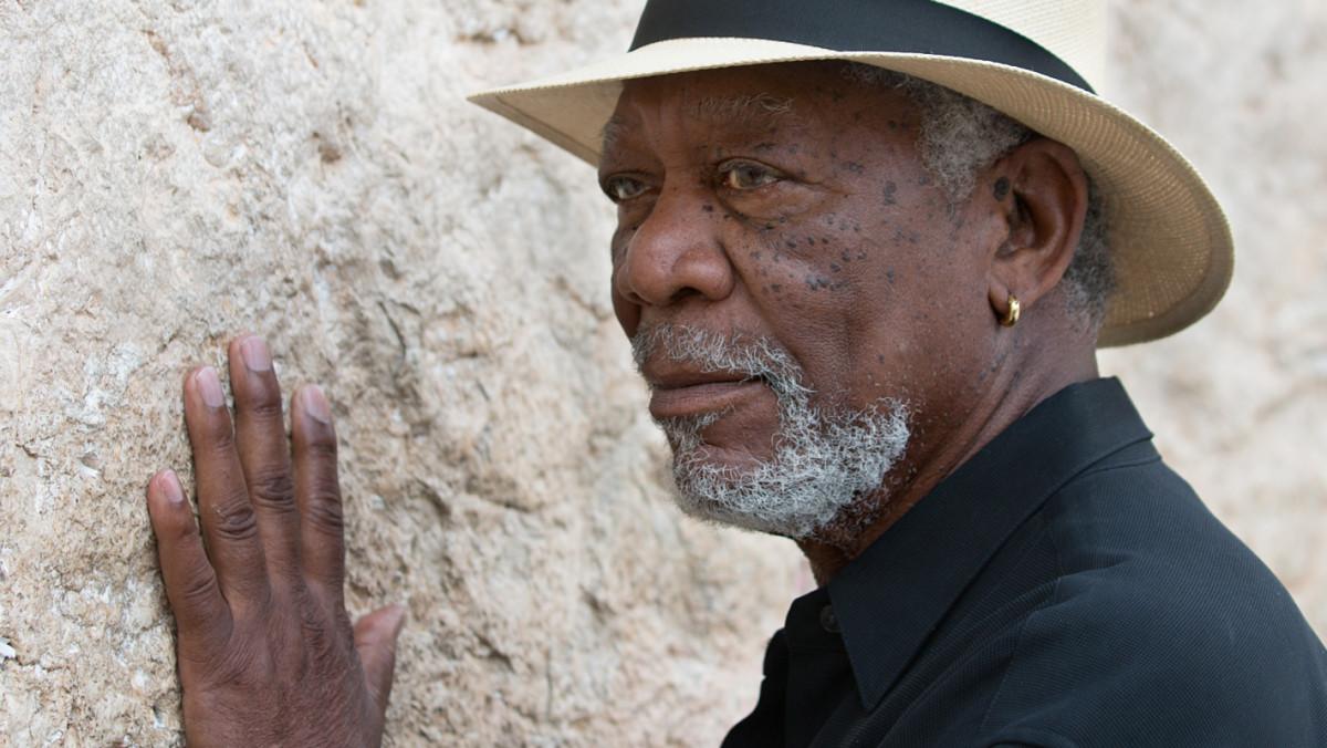 Morgan Freeman arată povestea lui Dumnezeu